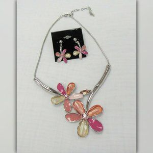Pretty Flower Floral Statement Necklace Set